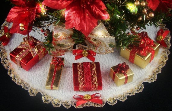 Decorated Mini Tabletop Christmas Tree Poinsettia