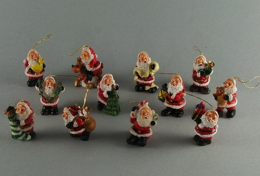 12 Santa Claus Resin Mini Christmas Tree Ornaments Destash