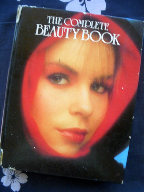 1985 The Complete BEAUTY BOOK amazing 80s FASHION photos