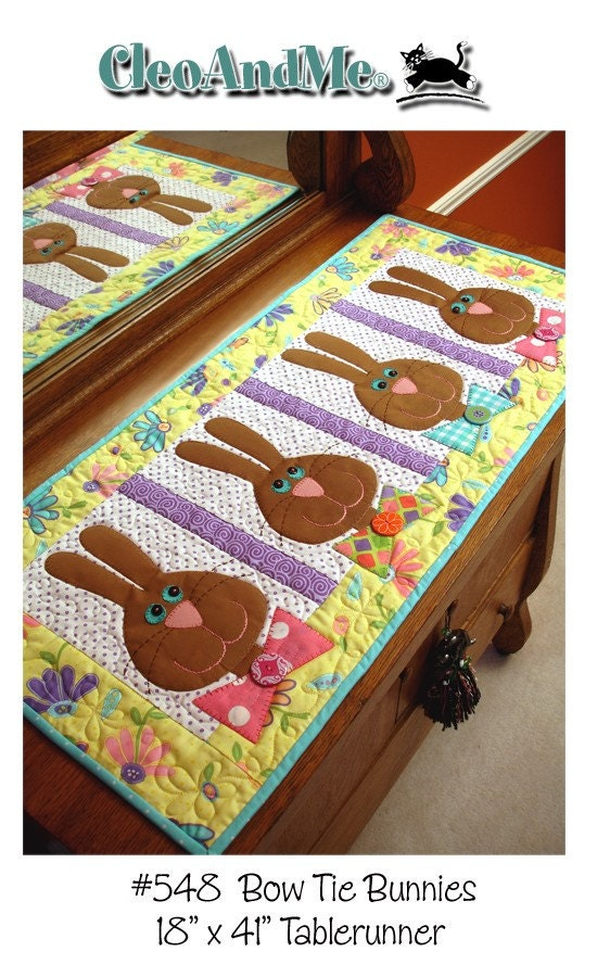 bow tie bunnies table runner pattern. Black Bedroom Furniture Sets. Home Design Ideas