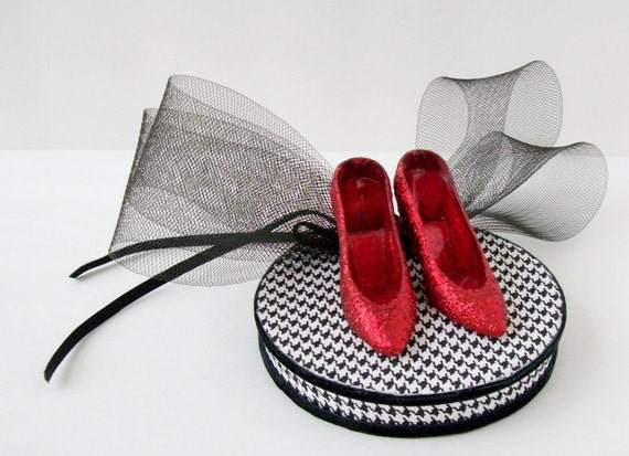 Houndstooth Pillbox Hat Clip with Ruby Slippers and Bow 'Oh, Dorothy'