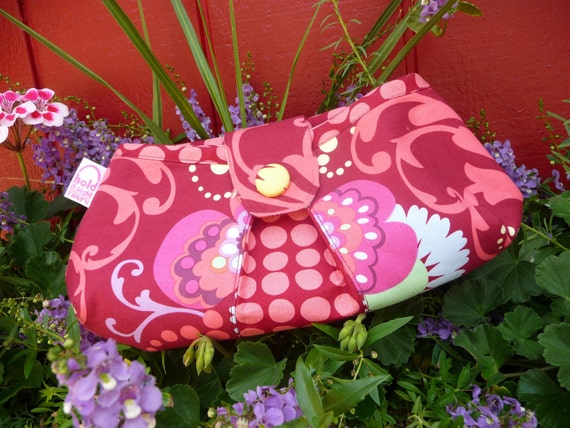 MEDIUM PLEATED CLUTCH Peek-a-Boo Pleat purse in Amy Butler's Fabrics -  Love Collection - Paradise Garden and Wine Sunspots