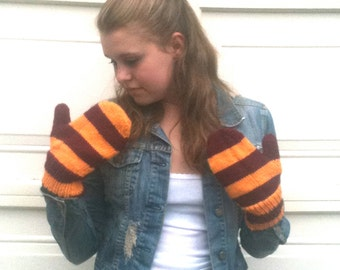 Mittens, Burgundy and Gold, Knitted, Gryffindor  - Ready to ship