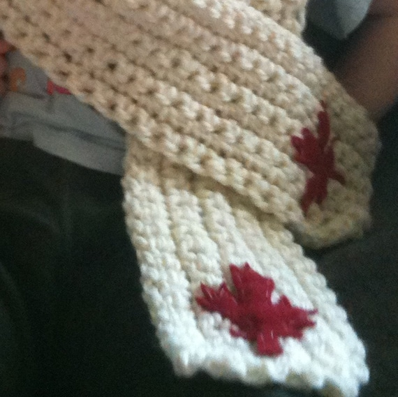 Canada Scarf - Cream with Red Maple Leaf