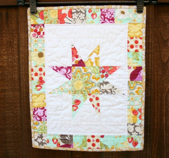 MeadowSweet Star Mini Quilt