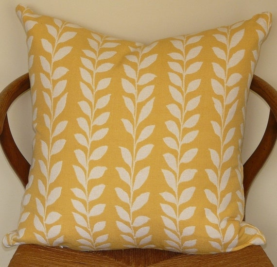 Sunny Yellow Leaf Pattern Pillow Cover