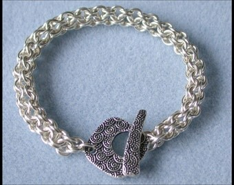 Inverted Round Bracelet Chain maille Kit with Tutorial in Non Tarnish Silver Plate, with Fancy toggle clasp and connector rings