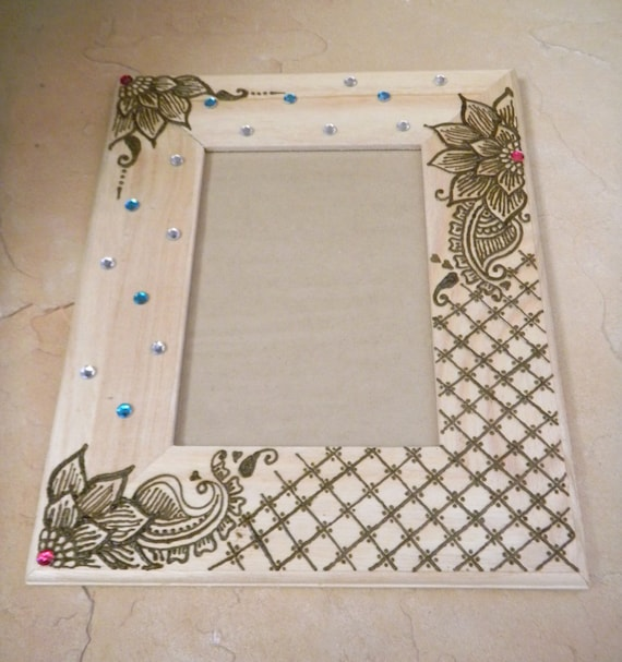 cadre photo d corer avec du henn p dales floraux original. Black Bedroom Furniture Sets. Home Design Ideas