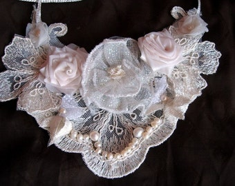 Free shipping Ivory Lace Victorian Bridal Statement Bib Necklace Wedding Dreamy Garden with Freshwater Pearls