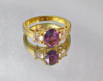 Vintage Ring Amethyst Glass and Cubic Zirconia Gold