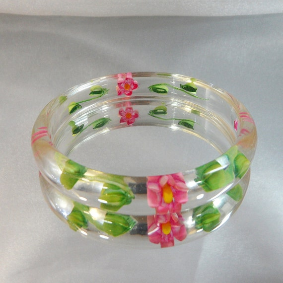 Vintage Reverse Carved Clear Lucite Bracelet. Pink and Yellow Flowers.  Green Leaves.
