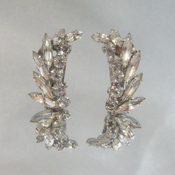 Vintage Climber Earrings. Crystal Clear Rhinestones. Napier.  Wedding. Bride.