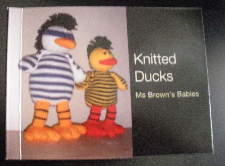 Knitting Pattern Books Toys : TOY DUCK KNITTING PATTERN MINI BOOK OR PDF FILE
