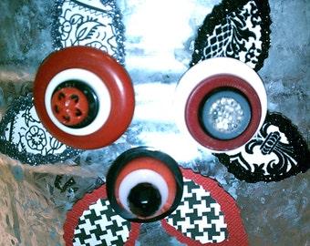Red White and Black Button Flower Magnets ~ Magnets for Desk ~ Refrigerator Magnets ~ Inexpensive Gift ~ Shower favor ~ Girl for Girl