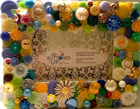 """Spring Floral Themed Button Picture Frame in White, Yellow, Blue and Green  for 4""""x6"""" photo"""