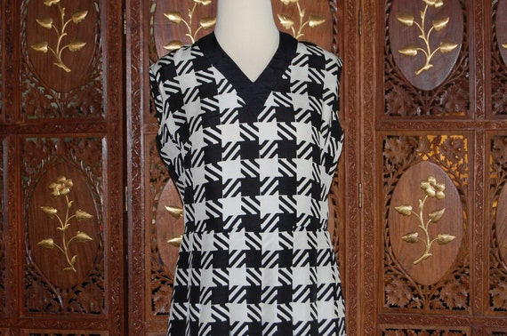 Vintage 1960s NINA RICCI Black & White  Silk Checkered  Mini Dress  Sz 12