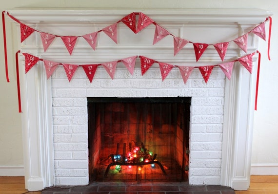 Heirloom Christmas Bunting Pennant Advent Calendar.