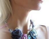 Fog of roses necklace - romantic - vintage - pastel