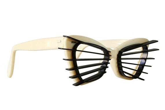 Ivory Sun-Slatz Vintage Cat Eye Sunglasses