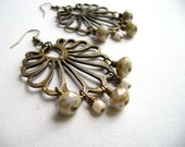 Glown - Beautiful antique bronze pendant green sage gold dust sparkle earrings