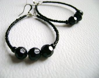 Black minimalist hoop earrings - Charming Night - beautiful intense black crystal and little beads earrings