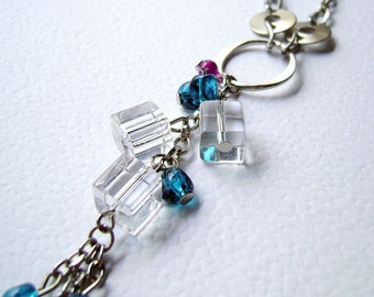 Fresh Cubes - transparent glass short necklace