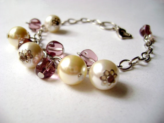 Rejoice - delicate pearls and soft glass beads beautiful bracelet