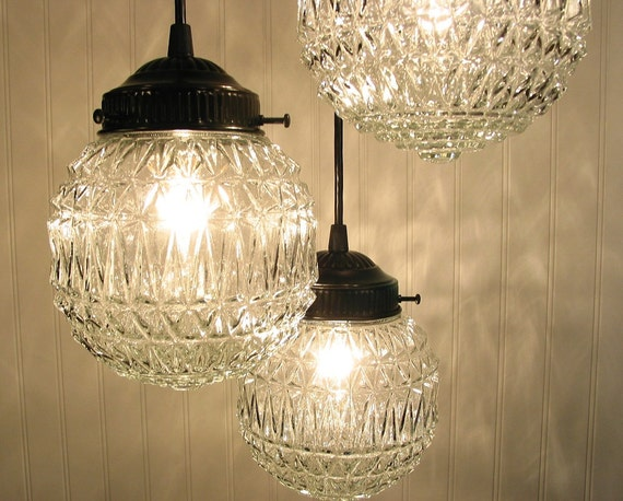 Diamond Ridge CHANDELIER Light Trio