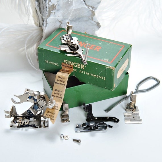 Singer Featherweight 221 Attachments 160809 in original box