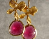 Bridal Jewelry - Bridesmaid Gift, Bridesmaid Earrings - Faceted Fuchsia Glass Briolettes and Gold Blossom Earrings (767-1429W)