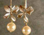 Pearl Earrings - Silver Pearl Blossom Earrings (941-1607)