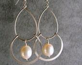 Pearl Chandelier Silver Bridesmaid Earrings, Bridal Earrings, Wedding Earrings, Silver Earrings, Bridesmaid Gifts (4219W)
