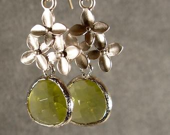 Apple Green Glass Cherry Blossom Dangle Silver Bridesmaid Earrings, Wedding Earrings, Silver Earrings, Green Earrings (3983w)