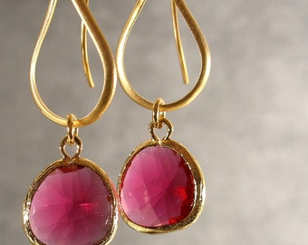 Fuchsia Glass Contemporary Gold Bridesmaid Earrings, Wedding Earrings, Gold Earrings, Gold Jewelry, Bridal Earrings (2748)