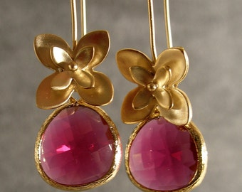 Bridesmaid Gifts -- Wedding Earrings, Fuchsia Gold Earrings - Glass Briolettes (940-1606W)