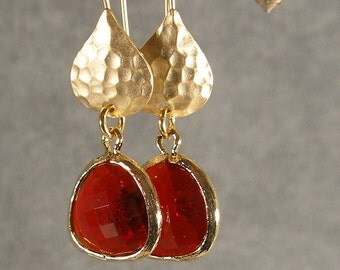 Garnet Red Glass Hammered Gold Bridesmaid Earrings, Red Earrings, Gold Earrings, Wedding Earrings, Boho Chic (3848)