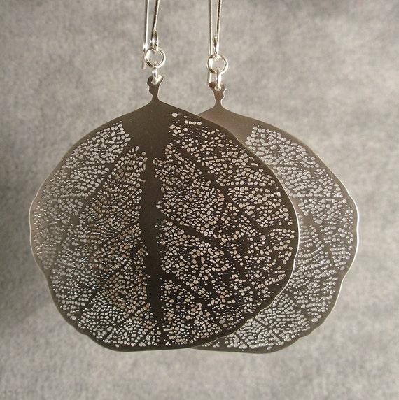 Silver Earrings, Silver Bridesmaid Earrings, Leaf Earrings (4382)