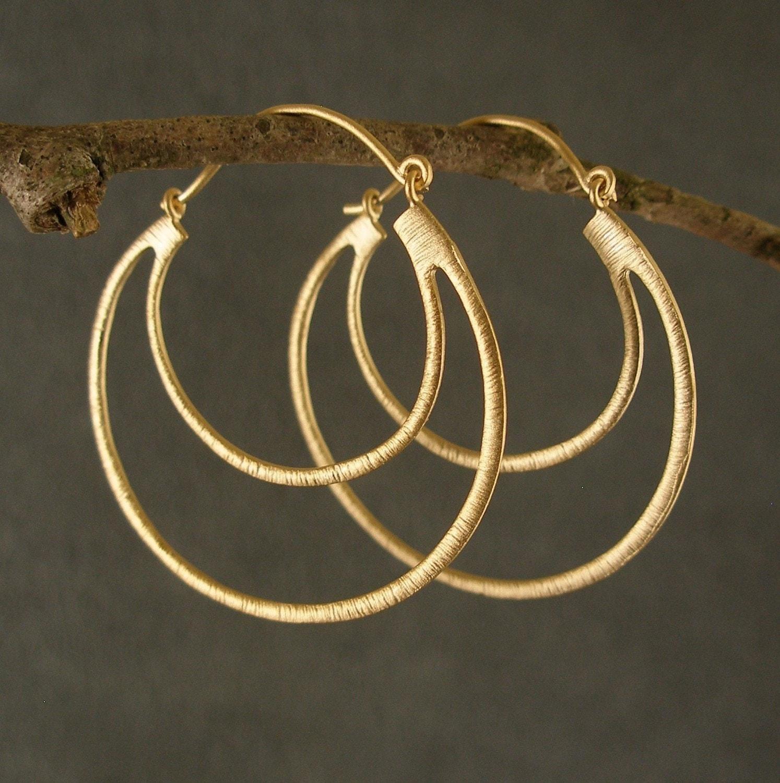 gold earrings gold hoop earrings gold double hoop earrings. Black Bedroom Furniture Sets. Home Design Ideas