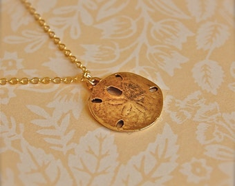 The Sand Dollar Necklace - Gold