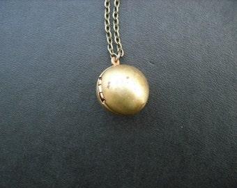 vintage sphere locket