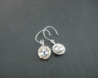 robin's little nest earring - sterling silver - new version - misty blue pearl