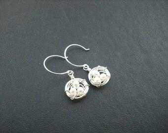 robin's little nest earring - sterling silver - new version - creamy white pearl