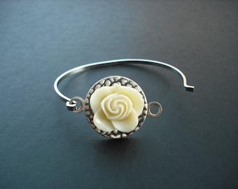 Flower Hinge Cuff Bangle Bracelet - Cream