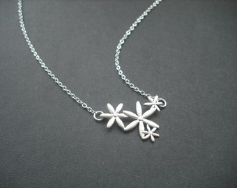 four flower connectors necklace - white gold plated chain