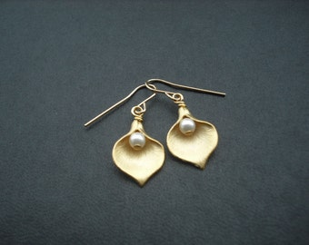 Matte Gold Calla Lily earrings