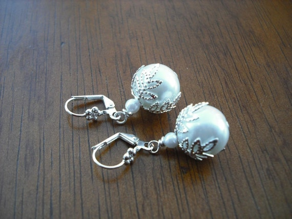 Bridesmaid Earrings, Silver Earrings with Leafy Bead Cap, Glass Pearl, Bridesmaid Gift, Wedding Gift, Birthday Gift