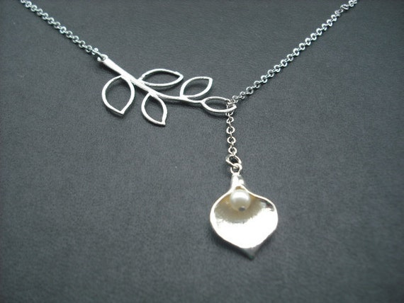 five leaf branch and Calla Lily lariat 1