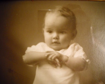 Early 1900s Baby Photo in Vintage Frame, Time Raveler