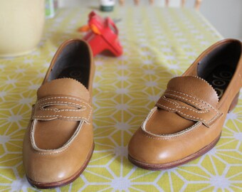 Tan GoLo loafers S 7