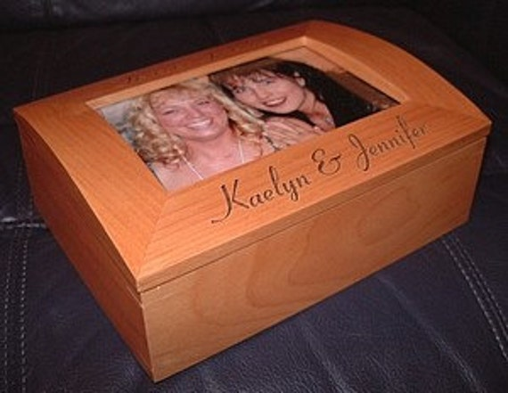 Personalized Engraved Wood Keepsake Box Photo Frame Box Bridesmaid Gifts Maid of Honor Gift Jewelry Box Bridal Party Wedding Gifts